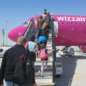 Wizz Air kabinbőrönd 55x40x23cm