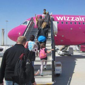 Wizz Air méretű bőrönd 55x40x23cm